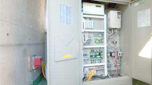 東京エレベーターは『ルーム式』『油圧式』『ルームレス式』様々な実績があります。